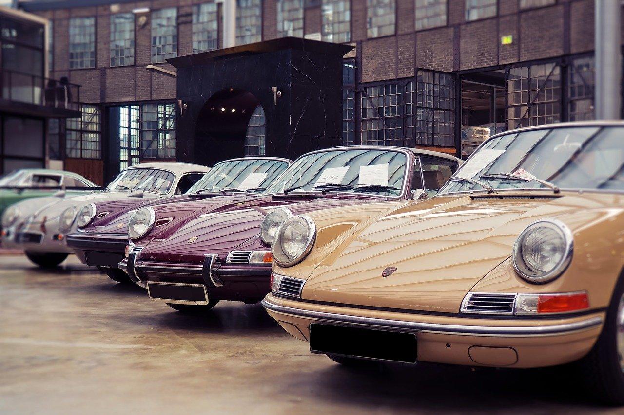 3 vieilles Porsche