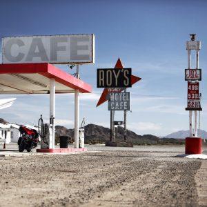 Station essence avec café pour faire pause durant le trajet