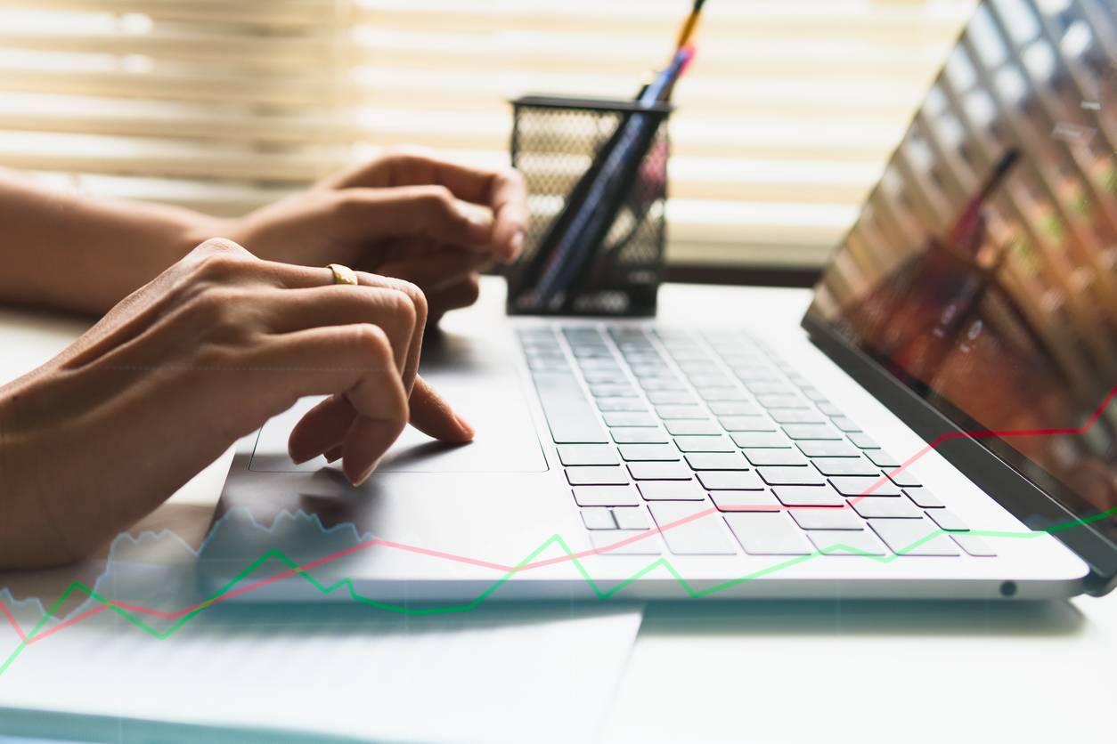 préparer son examen du Code de la route en ligne à l'aide d'un logiciel