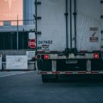 Arrière d'un camion roulant